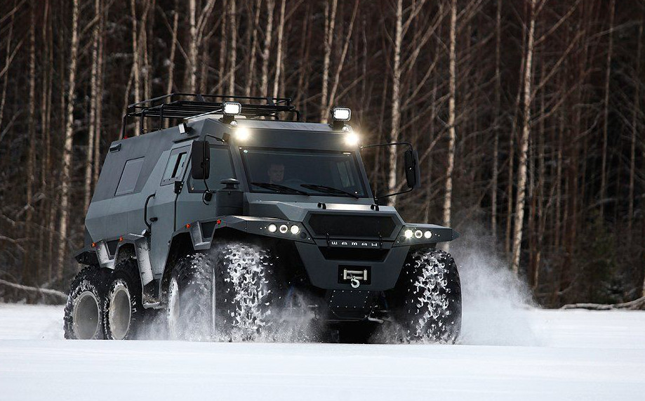shaman batman tank battle suv 8 wheels in snow